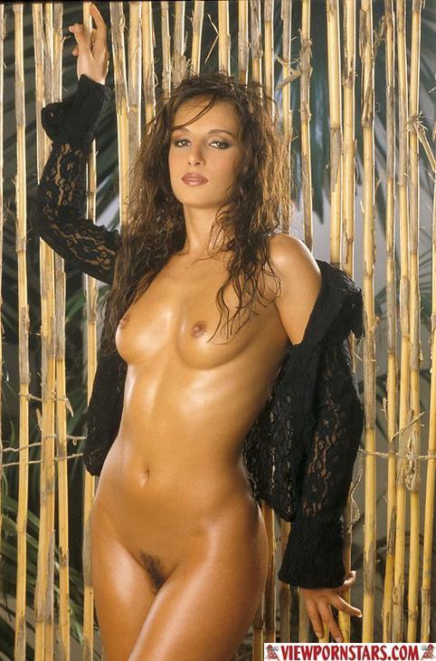 Sexiest bikini flap ever
